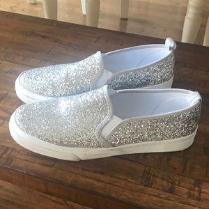 Ladie's glitter slip on sneaker size 8